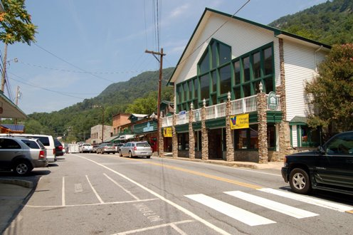Chimney rock north carolina for Lake lure arts crafts festival